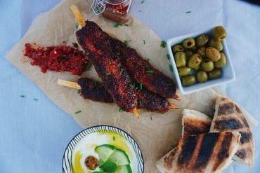 Adana Kebap Rezept - Original mit Joghurtsoße aus der Türkei
