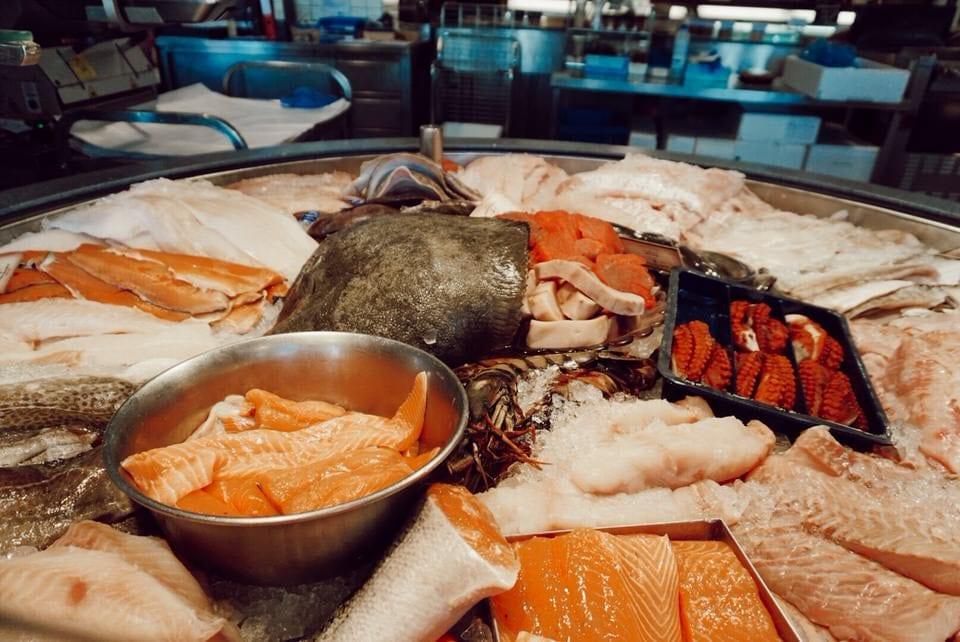 Fiedlers Fischmarkt Fischauswahl frisch