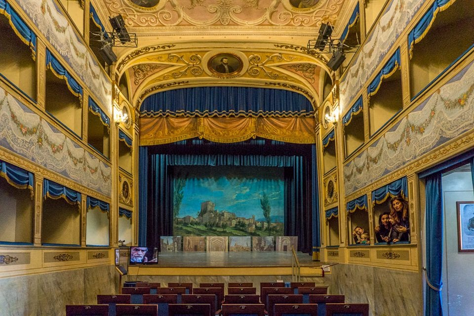Theater Angelo Mariani