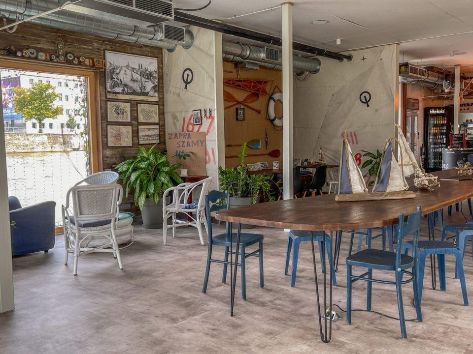 Essen in Breslau Café im Odra Zentrum